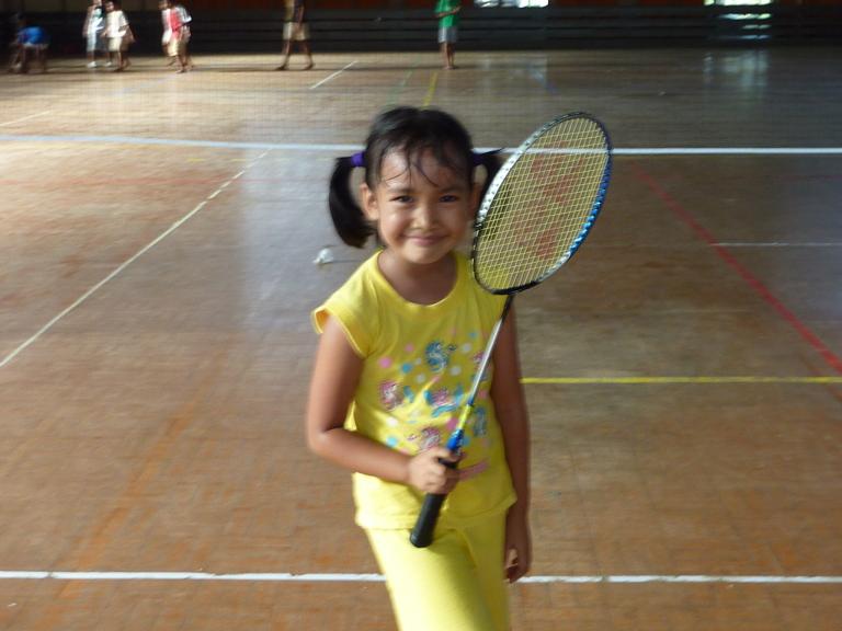 how to teach badminton to kids