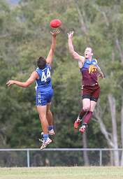 THe Big Men fly.  We At AFLQ thought ruckmen were supposed to jump into each other?