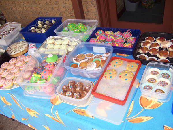 Cake Ideas For Cake Stall : PLEASE HELP - Cake stall fundraiser THIS SUNDAY - Lilydale ...