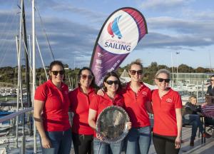 Kirsty Harris with SYC team Commodore's Challenge 2017_credit jack Fullerton